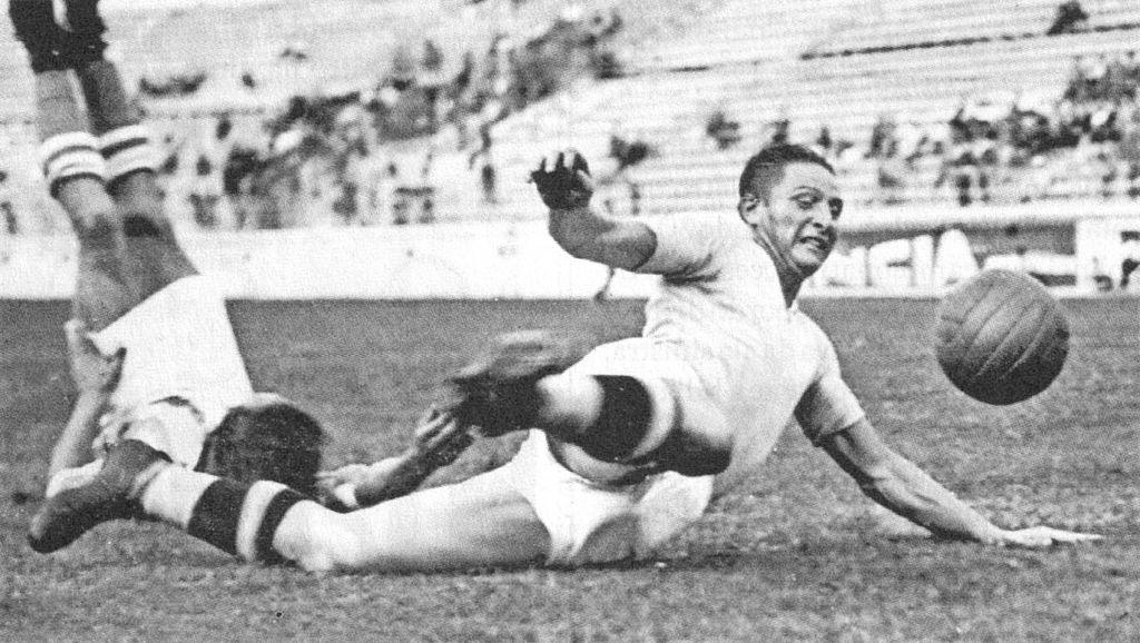 Silvio_Piola_-_1937_-_SS_Lazio
